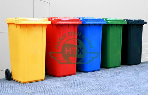 Thùng rác nhựa có nhiều màu, nhiều loại cùng các dung tích khác nhau