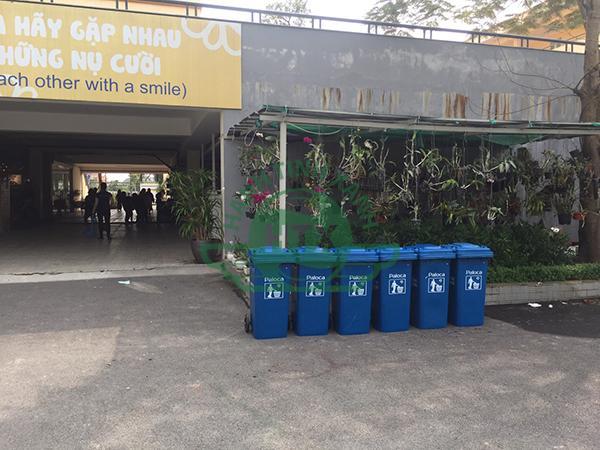 Dự án thùng rác nhựa trường Tuệ Đức với đa dạng sản phẩm