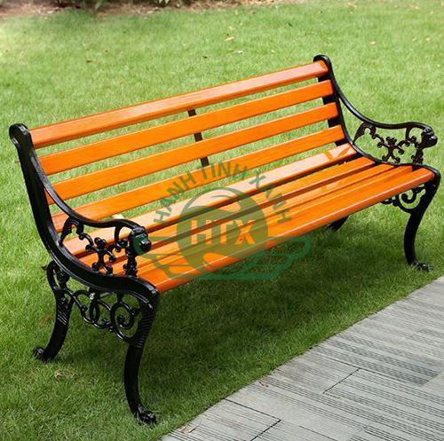 Ghế có thiết kế sang trọng, thanh lịch và hiện đại thích hợp với mọi không gian sân vườn ngoài trời