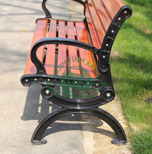 ghế công viên ngoài trời có tựa giá rẻ được ưa chuộng nhất hiện nay