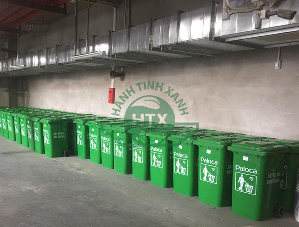 Thùng rác thương hiệu Paloca của Hành Tinh Xanh được giao tại ICID Complex