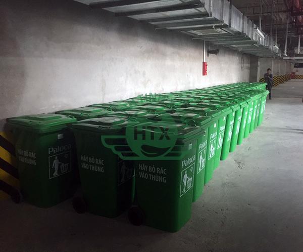 Thùng rác nhựa 240L màu xanh lá có giá thành cạnh tranh nhất thị trường