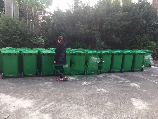 Tập kết và kiểm tra thùng rác