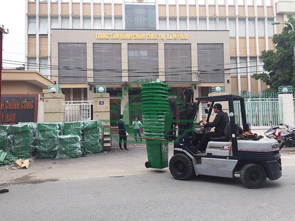 Cung cấp thùng rác nhựa cho trung tâm hành chính công thị xã Mỹ Hào