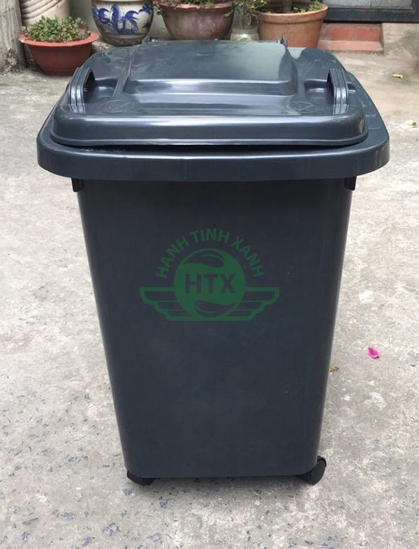 Thùng rác được sử dụng phổ biến ở nhiều địa điểm khác nhau
