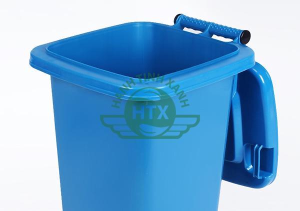 Thùng rác có nắp đậy - mở nhanh chóng, dễ dàng