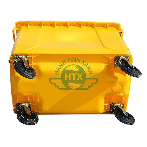 Thiết kế thân thùng dày dặn, 4 bánh xe chịu lực tốt, hoạt động linh hoạt